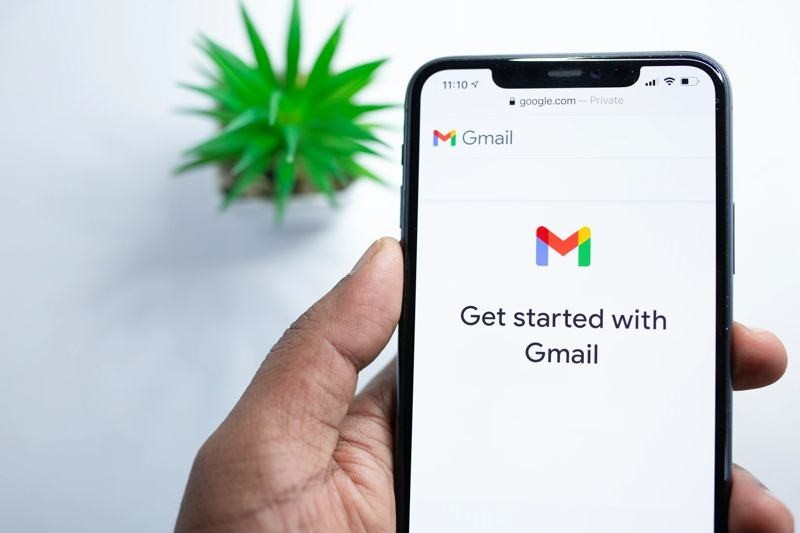 Ηow to remove Chat and Room tabs in mobile Gmail