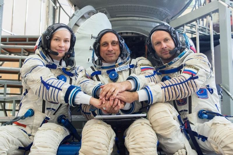 Russian crew returns from filming the first movie in space
