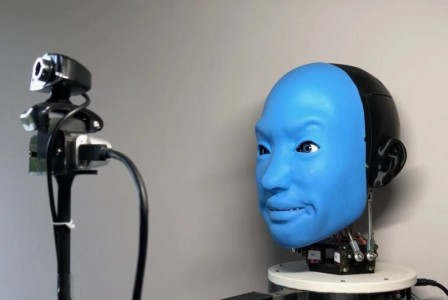 Engineers use AI to create a robot that can use facial expressions