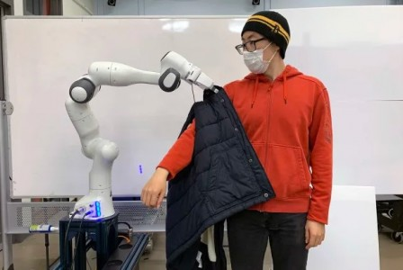 MIT's robot could help people with limited mobility dress themselves